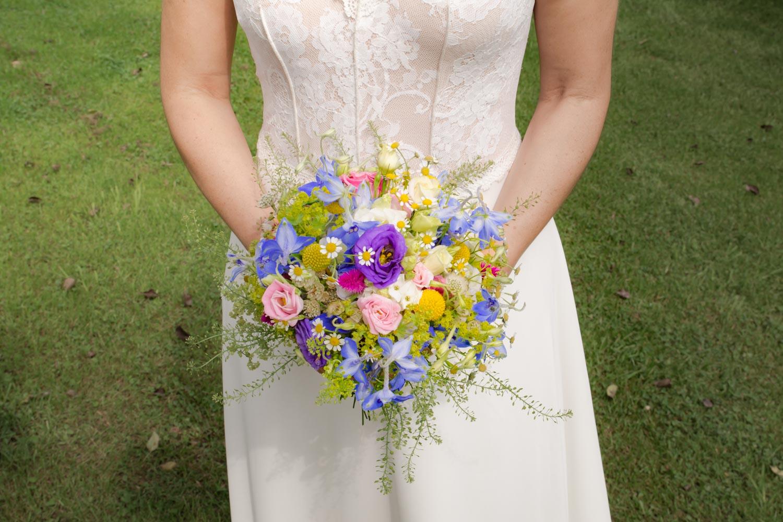 Blumenschmuck der Braut