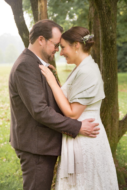 So sieht Glück aus - noch keine Stunde verheiratet und die Hochzeitsfotografin ist dabei - Hochzeitsfotos
