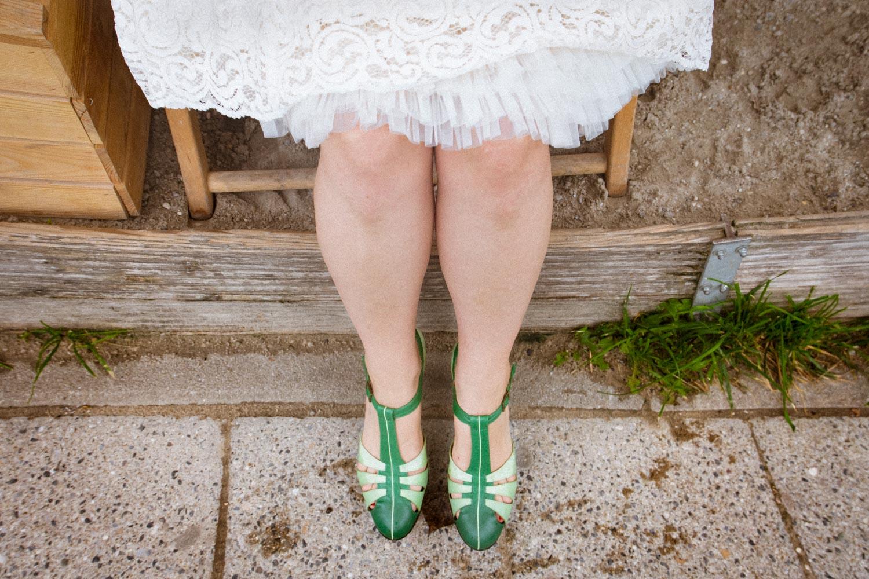 Die coolen Schuhe der Braut - Hochzeitsfotos